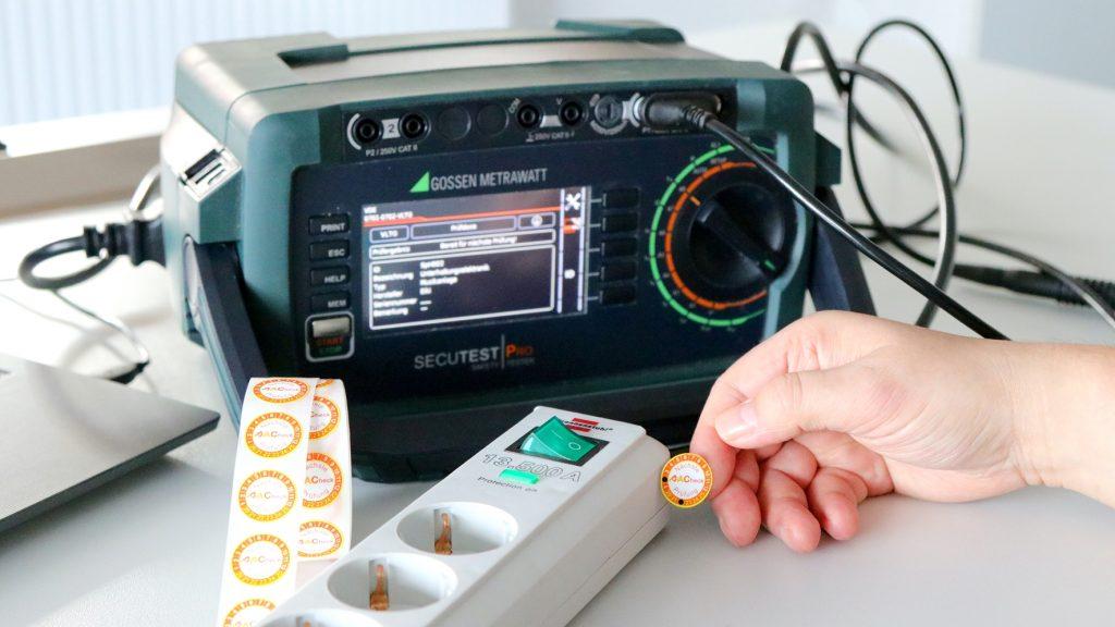 Elektroprüfung einer Steckdosenleiste
